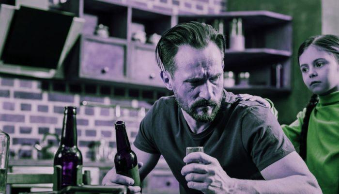 Лечить или забить: что делать взрослым детям родителей-алкоголиков? Мнение семейного психолога