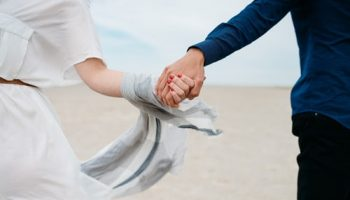 Что такое ревность? Причины недоверия в отношениях и как от него избавиться? Психология ревности