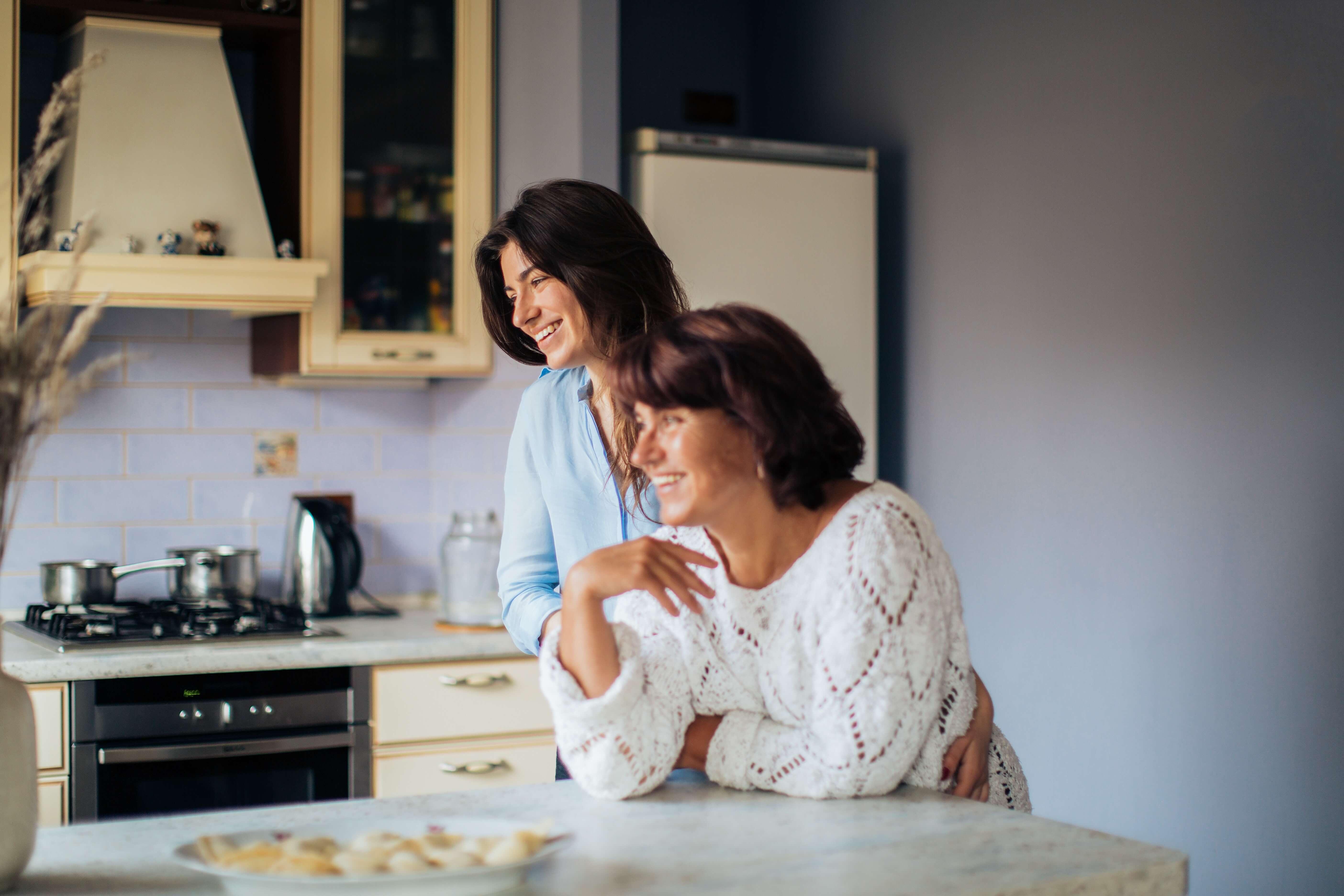 Как взрослой дочери наладить отношения с мамой? 8 cоветов психолога, фото | Онлайн-журнал Психо/логика