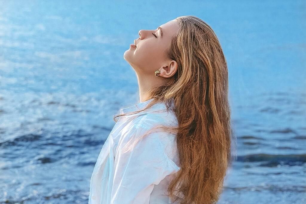 10 психологических приемов, которые помогут почувствовать себя счастливее и жить своей истинной целью. Психология счастья, фото