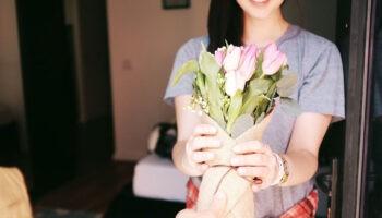Почему мужчина не дарит цветы и подарки? 5 способов сделать мужчину щедрым и внимательным